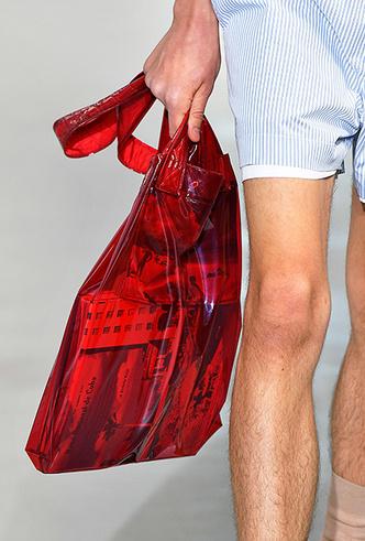 Фото №4 - 11 трендов c Недель мужской моды SS19, которые пригодятся не только мужчинам