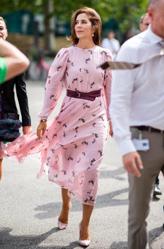Фото №5 - Кейт, Шарлен или Меган: чьи наряды оказались самыми дорогими в 2018 году