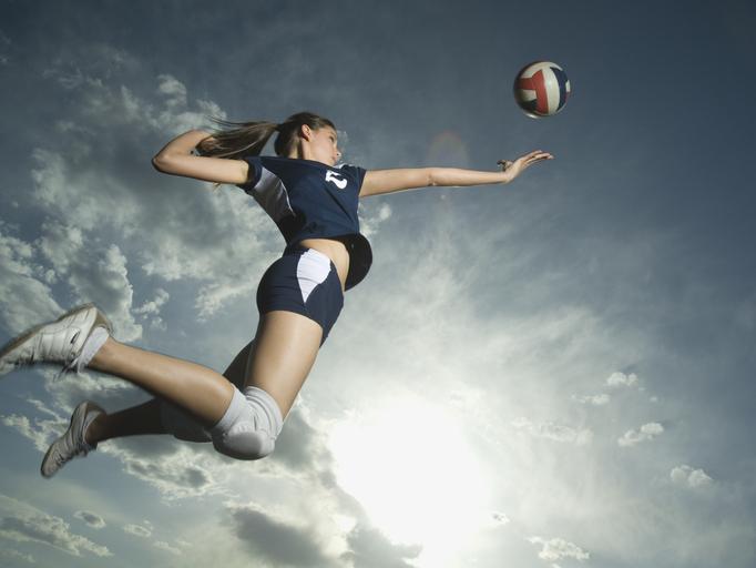 Фото №2 - Широкие плечи и стальной пресс: как спорт отражается на фигуре