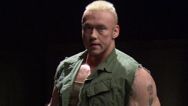 Фото №7 - 9 актеров, которые носили фальшивые мускулы на съемках