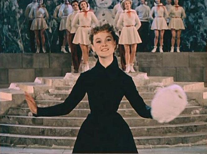 Фото №2 - Самые стильные героини советских фильмов