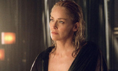 Подчеркнули грудь: роскошные декольте актрис в кино