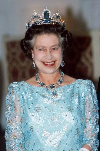 Фото №8 - Королевские драгоценности: самые роскошные украшения Елизаветы II