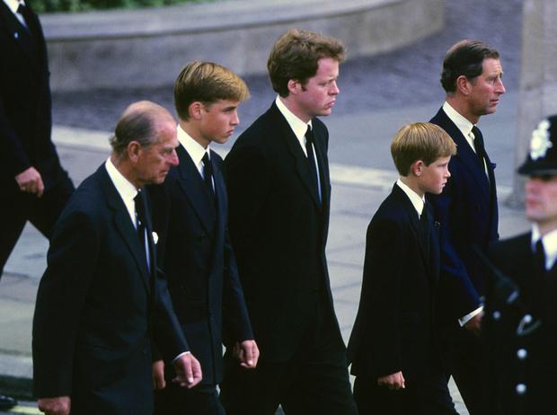 Фото №7 - Дедушка Их Высочеств: принц Филипп и его самые теплые отношения с внуками
