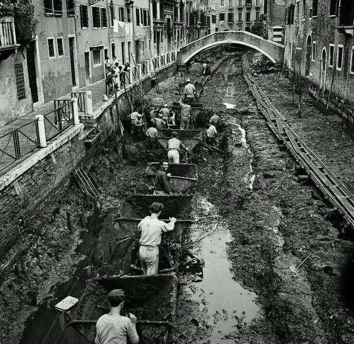 Фото №1 - Авгиевы конюшни: как чистят каналы в Венеции