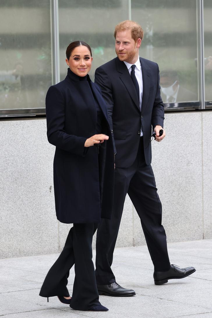 Фото №1 - Шпионские игры: Меган Маркл и принц Гарри в Нью-Йорке