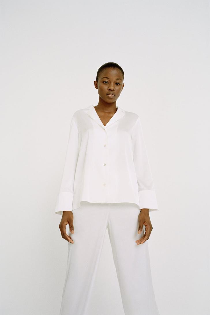 Фото №5 - Летом носите шелковую пижаму не только дома: вдохновляющий пример Жизель Оливейры и еще 5 вариантов на каждый день