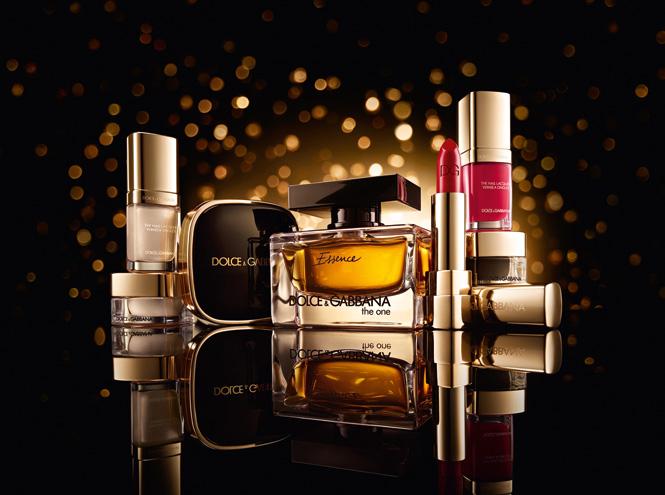 Фото №1 - Дух Рождества: праздничная коллекция Dolce&Gabbana