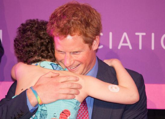 Фото №1 - Принц Гарри рассказал о благотворительной деятельности в Африке