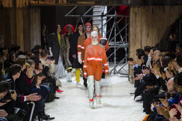 Фото №1 - Как одеться в стиле Calvin Klein по доступной цене