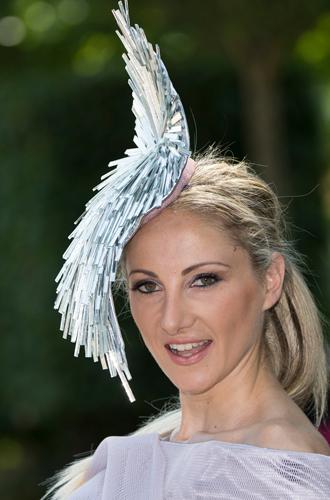Фото №20 - Чья шляпа лучше: герцогиня Кембриджская и другие на Royal Ascot 2017