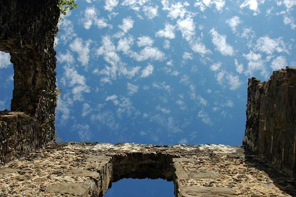 Фото №9 - С оглядкой на руины