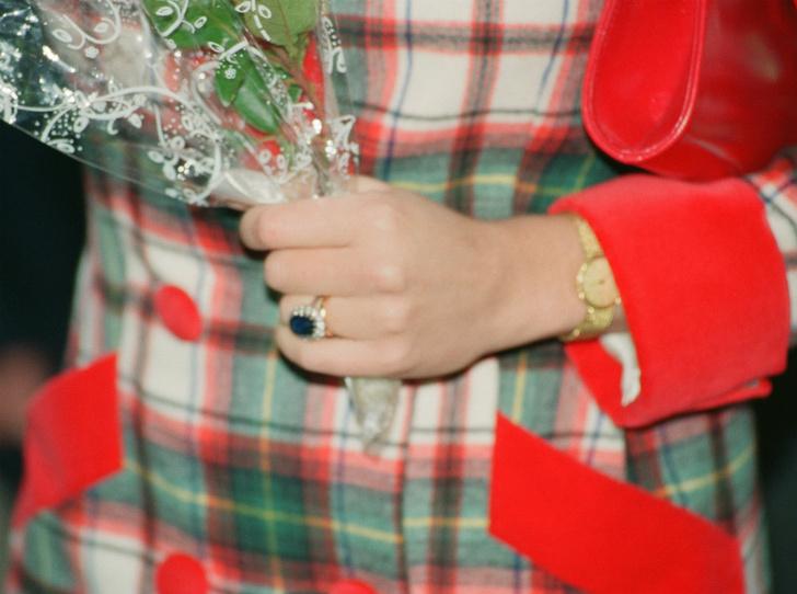 Фото №4 - Разный подход: почему Диане досталось кольцо из каталога, а Камилле – фамильная реликвия