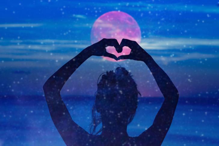 Фото №1 - Каким знакам зодиака повезет в любви в августе