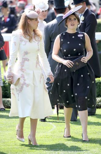 Фото №11 - Чья шляпа лучше: герцогиня Кембриджская и другие на Royal Ascot 2017