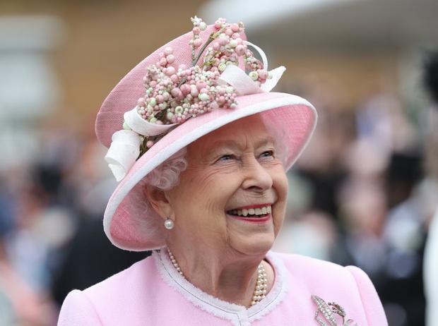 Фото №1 - Определяя эпоху: 5 важных королевских правил, которые изменила Елизавета