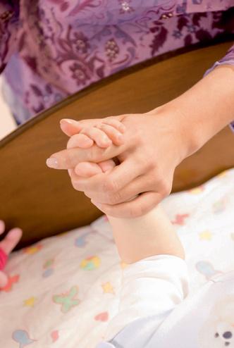 Фото №3 - Учим малыша переворачиваться на животик: 6 этапов