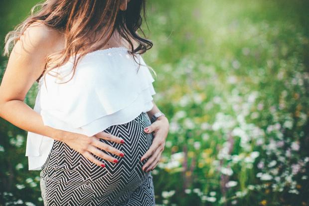 Фото №1 - Девушка думала, что беременна, а это была раковая киста весом 2,5 кг