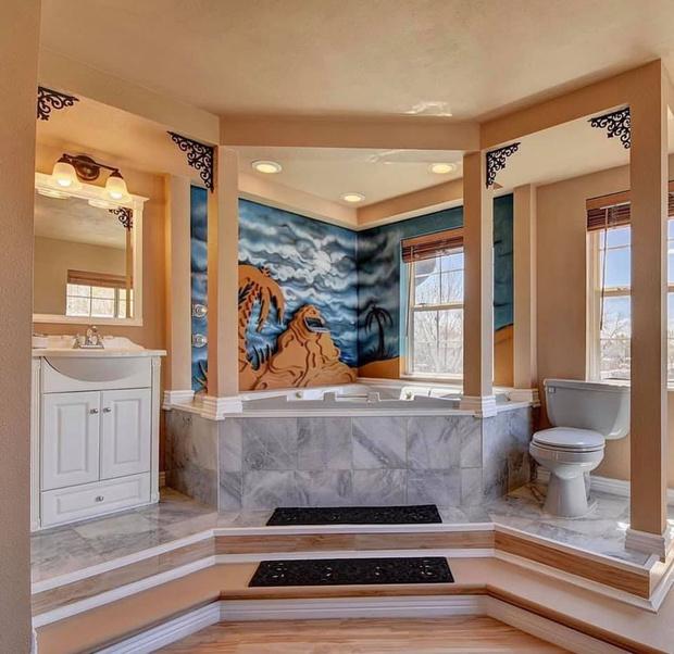 Самые странные интерьеры в ванной комнате: как не надо делать ремонт