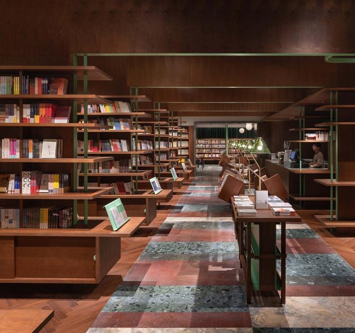 Фото №6 - Книжный магазин Common Reader в Китае