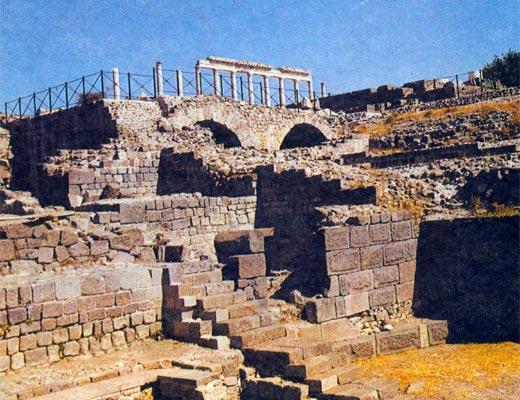 Фото №1 - Пергам без алтаря