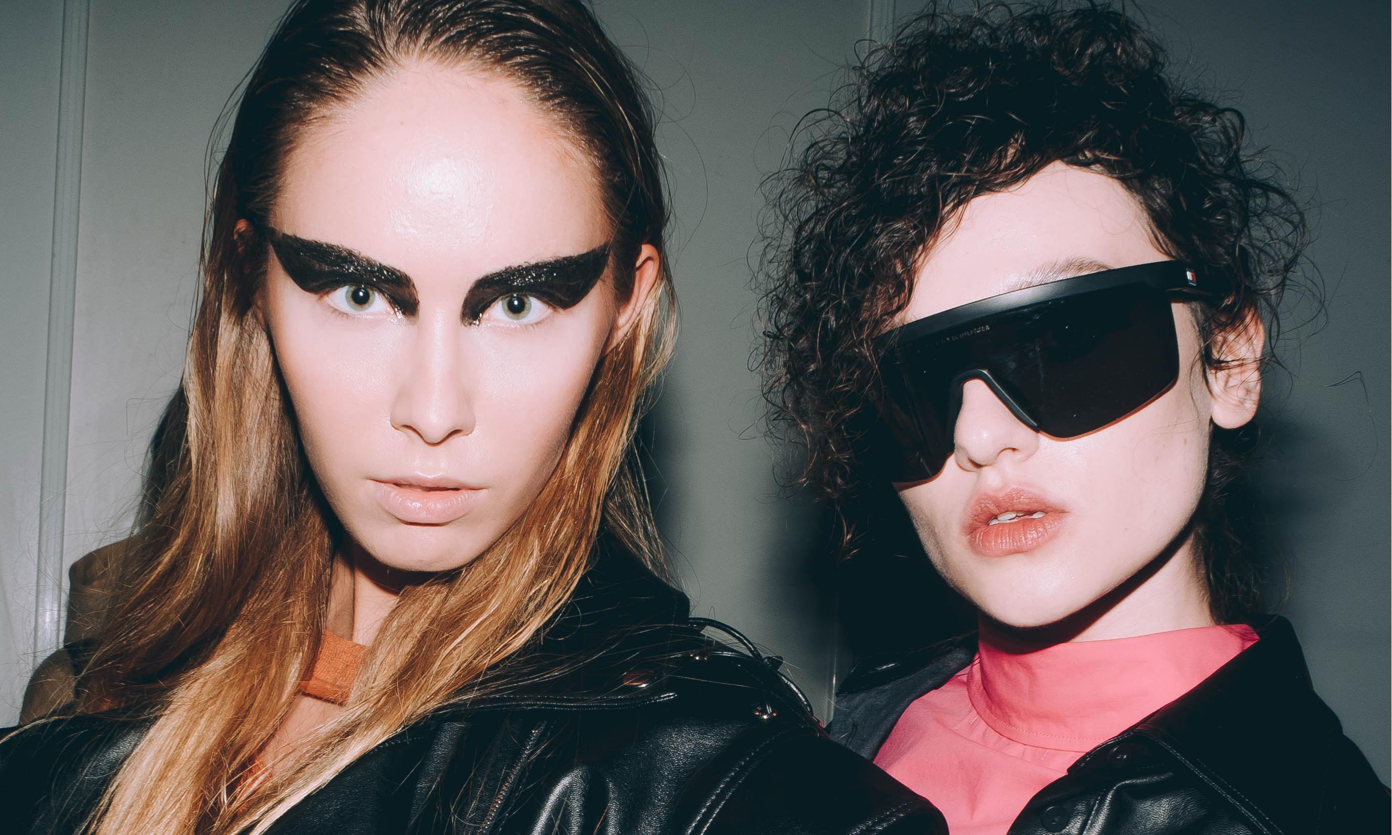 Идеальный нюд и арт-стрелки: макияж с Недели моды в Москве