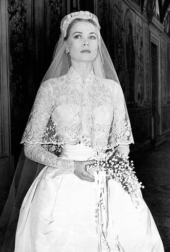 Фото №8 - 16 самых известных, красивых и дорогих свадебных платьев за всю историю