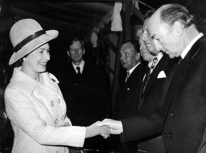 Фото №16 - Британский министр, танцовщица и советский шпион: история самого громкого секс-скандала XX века