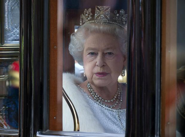Фото №3 - Что могут короли: насколько велика власть Елизаветы II на самом деле