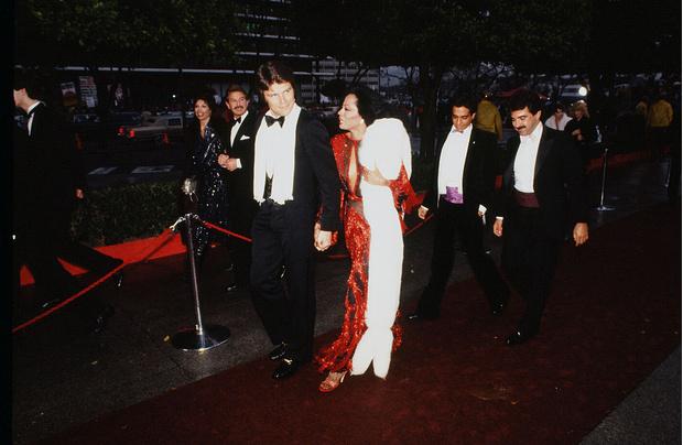Фото №2 - Лучшие платья «Оскара». 1980-е