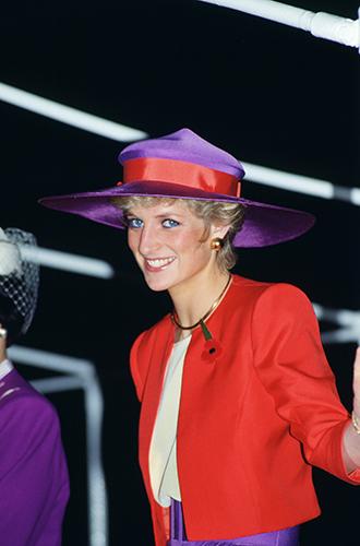 Фото №53 - 60 красных нарядов: как принцесса Диана носила любимый цвет