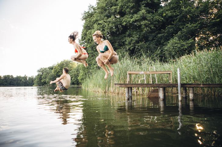 4 признака, что в озере или пруду нельзя купаться