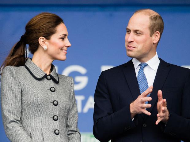 Фото №1 - Королевский размах: что Уильям подарил Кейт на десятую годовщину свадьбы
