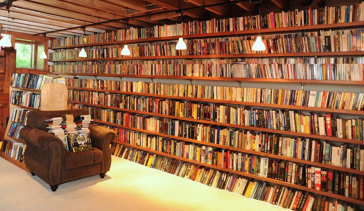 Фото №8 - Впечатляющие собрания: 9 личных библиотек знаменитостей