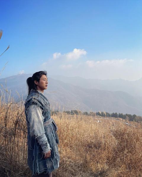 Фото №1 - Официально: актер Джи Су снят с роли в дораме «Река, где восходит Луна»