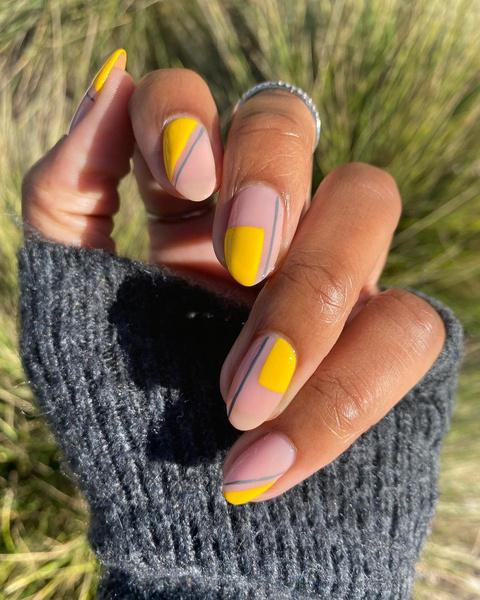 Фото №2 - Летний маникюр 2021: самые трендовые идеи для ногтей любой длины