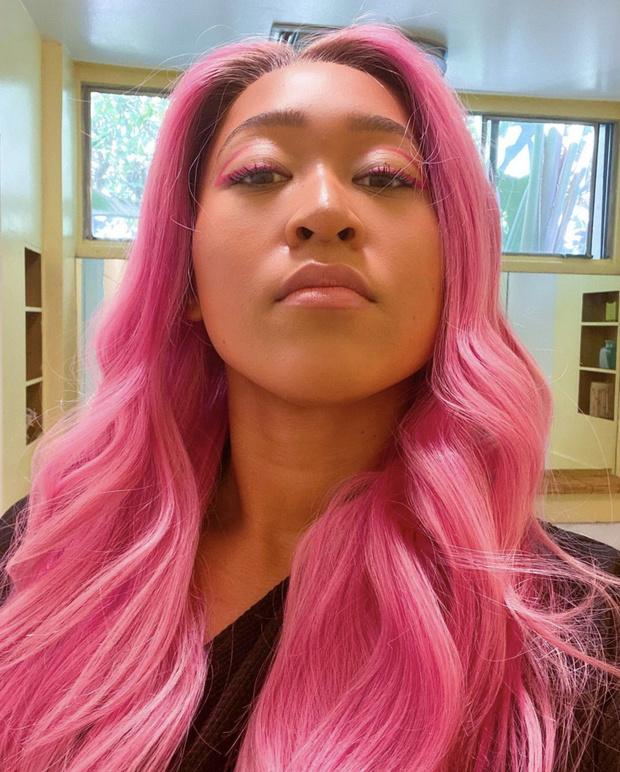 Фото №1 - Японка Наоми Осака красит волосы в оттенок цветущей сакуры