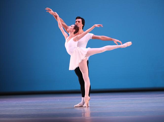 Фото №1 - Must see сезона: премьера одноактных балетов «Кончерто барокко» / Autodance / KAASH