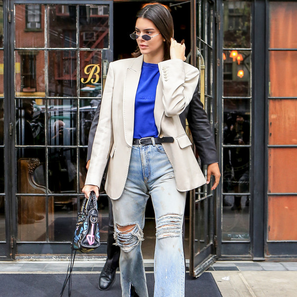 Фото №1 - Как выбирать джинсы для высоких девушек 👖