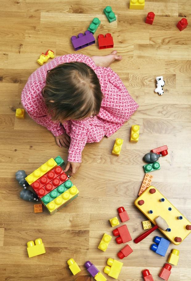Фото №5 - Как научить ребенка убирать за собой игрушки: 5 типичных ситуаций