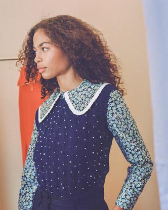 Фото №2 - Продлеваем лето и носим цветочный принт осенью, как советует бренд Maje
