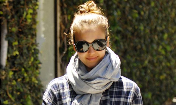 Фото №1 - Смотри в оба: какие очки носят знаменитости этим летом?