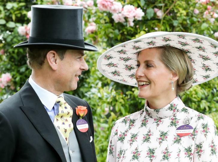 Фото №1 - Как граф и графиня Уэссекские отметили годовщину свадьбы