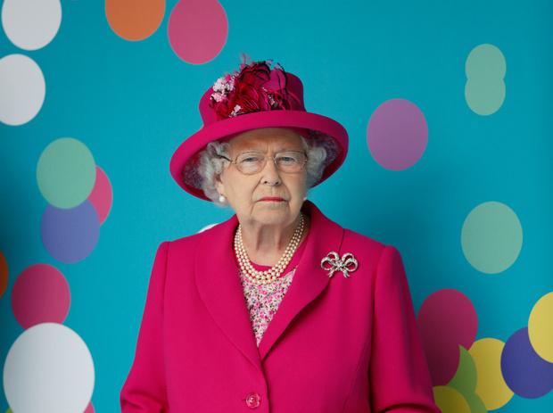 Фото №1 - Как Королева отметила день рождения, и кто ее поздравил (а кто – нет)