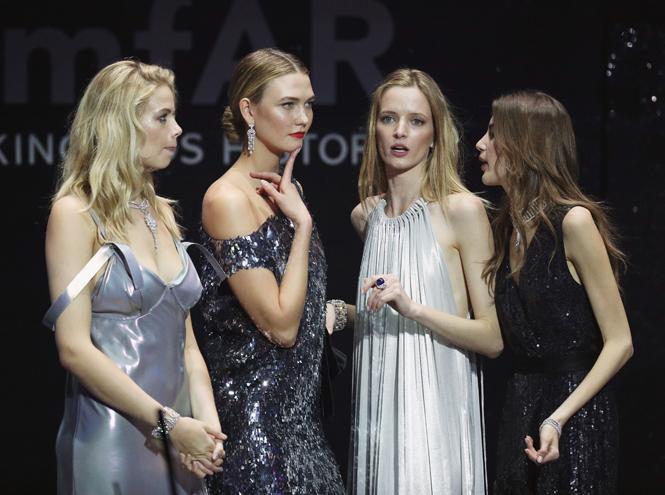 Фото №21 - amfAR 2016: искрометное шоу с топ-моделями и девушки с молотка