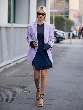 Фото №7 - Горная лаванда: 5 способов носить самый романтичный цвет