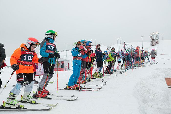 Фото №1 - Чемпионат по горным лыжам и тюбингам для детей Reima Open Cup стартует 10 февраля!