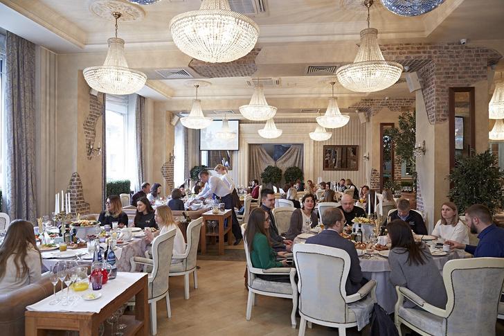 Фото №1 - Команда «Вокруг Света» собрала гостей на пресс-завтрак