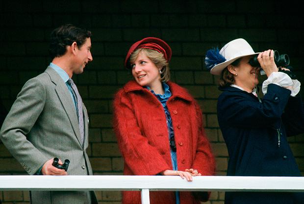 Фото №50 - 70 красных нарядов: как принцесса Диана носила любимый цвет