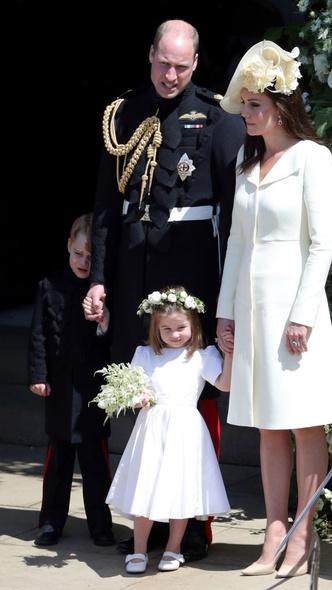 Фото №6 - Самые милые фото Джорджа и Шарлотты на королевских (и не только) свадьбах